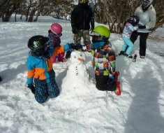 building snowmen at perisher